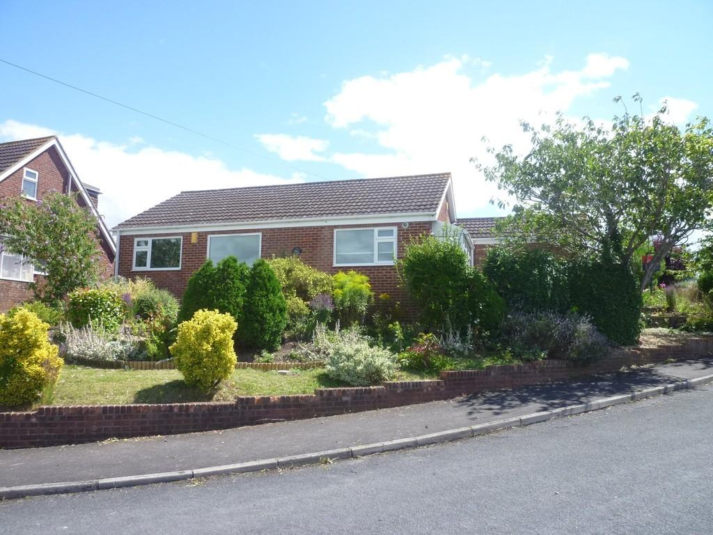 3 Bedrooms Detached Bungalow for sale in Upland Rise