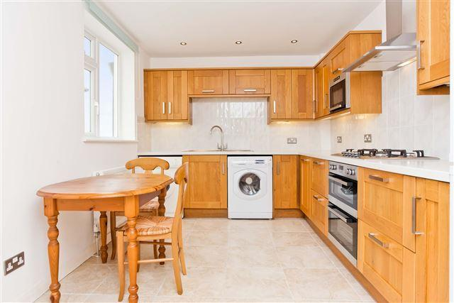 4 Bedrooms Terraced House for sale in Sackville Road, Hove