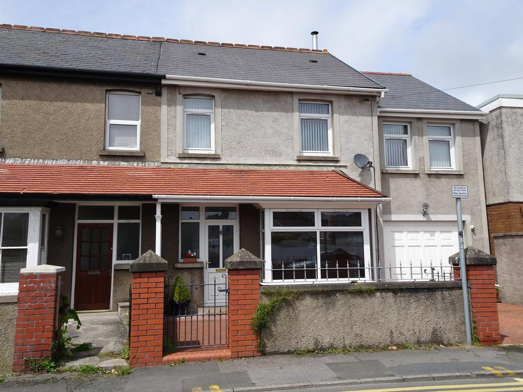 4 Bedrooms Semi Detached House for sale in NEW ROAD, NEWTON, PORTHCAWL, CF36 5PH