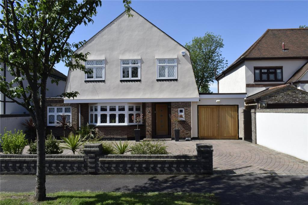 4 Bedrooms Detached House for sale in Ayloffs Walk, Emerson Park, RM11
