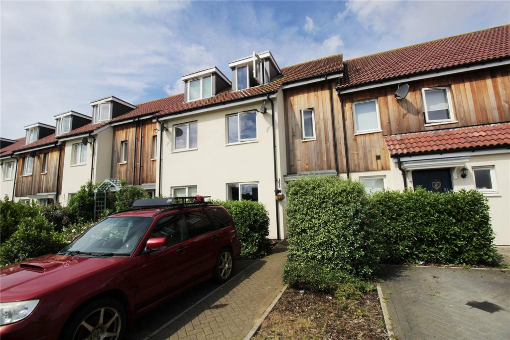 3 Bedrooms Terraced House for sale in Montgomery Drive, Basildon, Essex, SS14