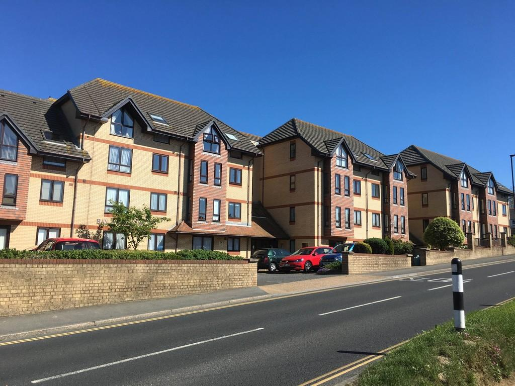 2 Bedrooms Flat for sale in Sandown Road, Sandown, PO36