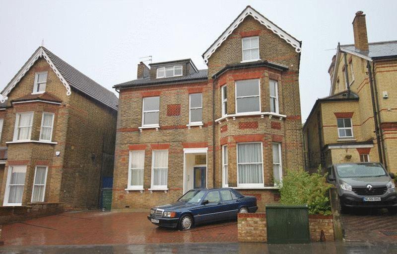 1 Bedroom Flat for sale in Birdhurst Rise, South Croydon