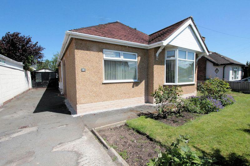 3 Bedrooms Detached Bungalow for sale in Merllyn Road, Rhyl