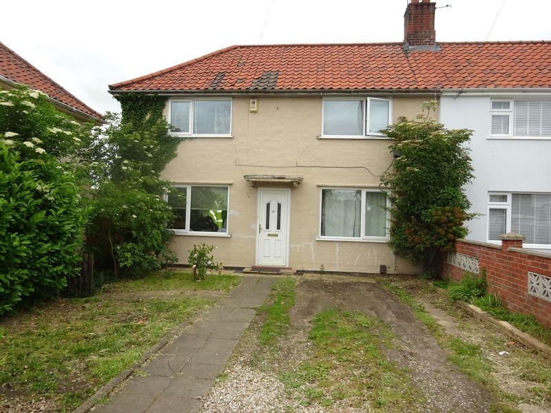 3 Bedrooms Semi Detached House for sale in Parr Road, Drayton, Norwich