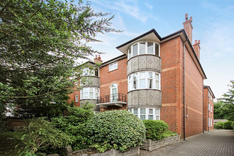 2 Bedrooms Apartment Flat for sale in Mulgrave Road, Sutton