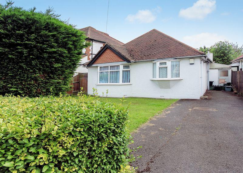 2 Bedrooms Detached Bungalow for sale in Woodmere Avenue, Shirley