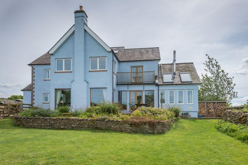 5 Bedrooms Detached House for sale in Howe Top House, Maulds Meaburn, Penrith