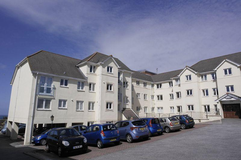 2 Bedrooms Retirement Property for sale in Windsor Court, Newquay
