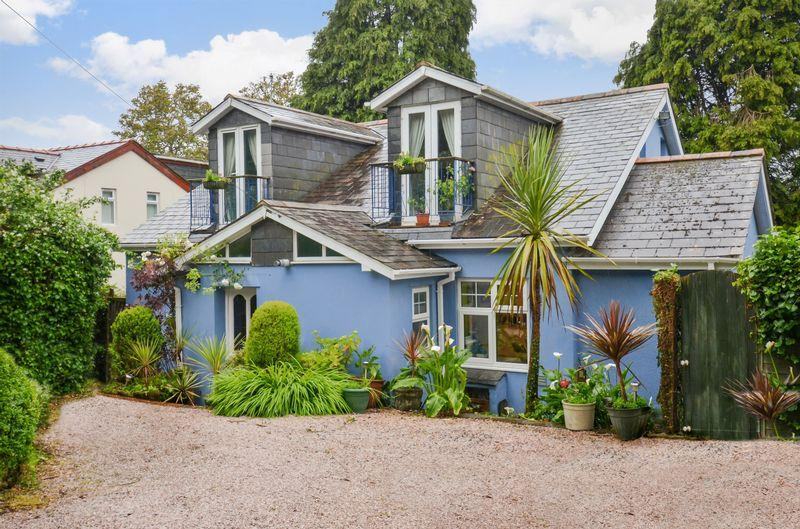 3 Bedrooms Detached House for sale in 446 Teignmouth Road, Torquay