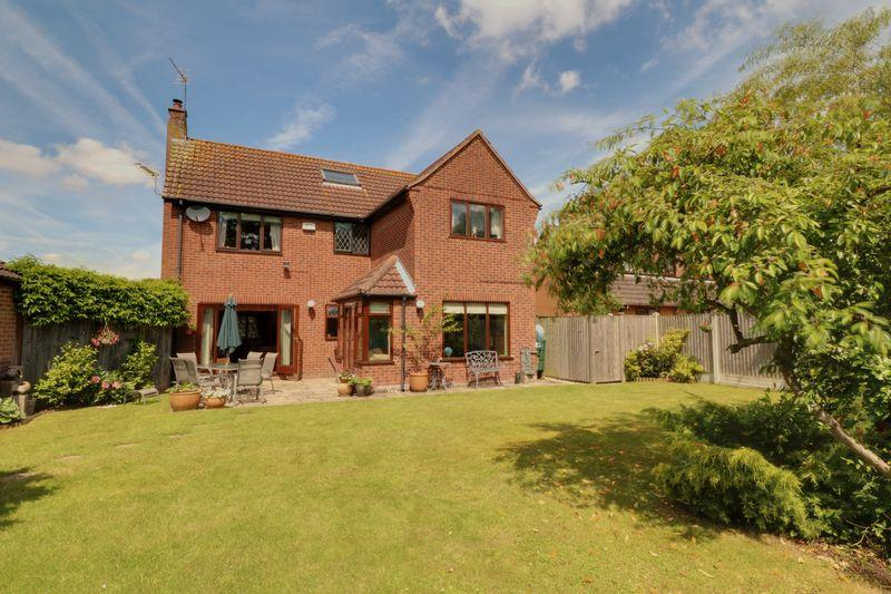 4 Bedrooms Detached House for sale in Orchard Close Barrow-Upon-Humber