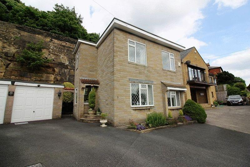 3 Bedrooms Detached House for sale in Tower Gardens, Scarbottom Road, Halifax