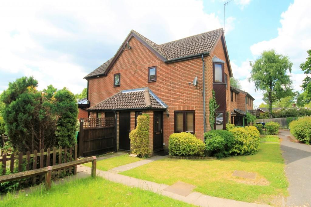 1 Bedroom Terraced House for sale in Fox Road, Haslemere