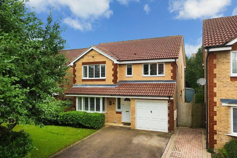 4 Bedrooms Detached House for sale in Halsey Drive, Hemel Hempstead