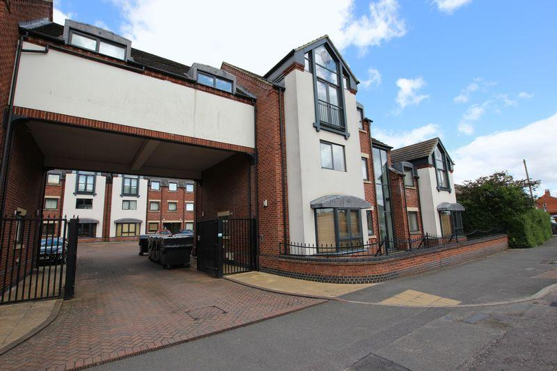 2 Bedrooms Apartment Flat for sale in 5 Parkview Apartments, North Hykeham