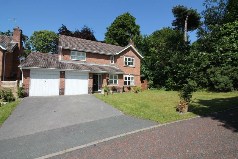 4 Bedrooms Detached House for sale in Devisdale Grove, Prenton