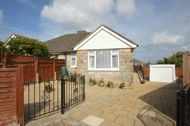 2 Bedrooms Semi Detached Bungalow for sale in HAYLANDS, RYDE