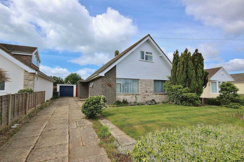 2 Bedrooms Chalet House for sale in Thornbury Road, Hengistbury Head, Bournemouth