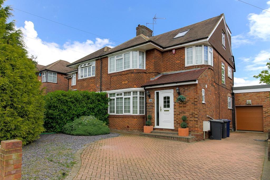 4 Bedrooms Semi Detached House for sale in Edgwarebury Lane, Edgware, HA8