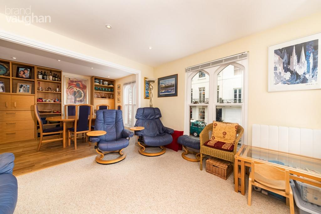 2 Bedrooms Semi Detached House for sale in Chesham Road, Brighton, BN2