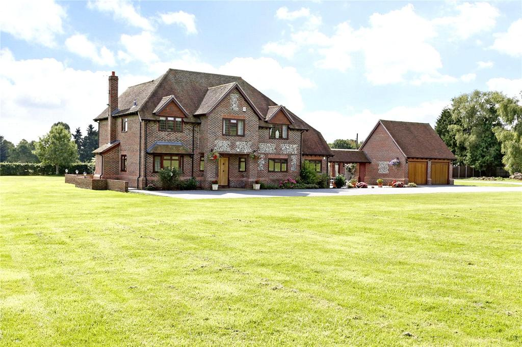 4 Bedrooms Detached House for sale in Rose Hill, Burnham, Buckinghamshire, SL1