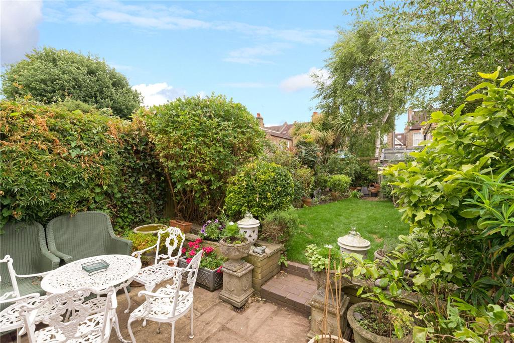4 Bedrooms Terraced House for sale in Inglethorpe Street, Alphabet Streets, Bishops Park, Fulham, SW6