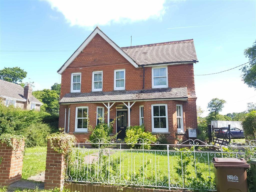 4 Bedrooms Detached House for sale in East Sussex