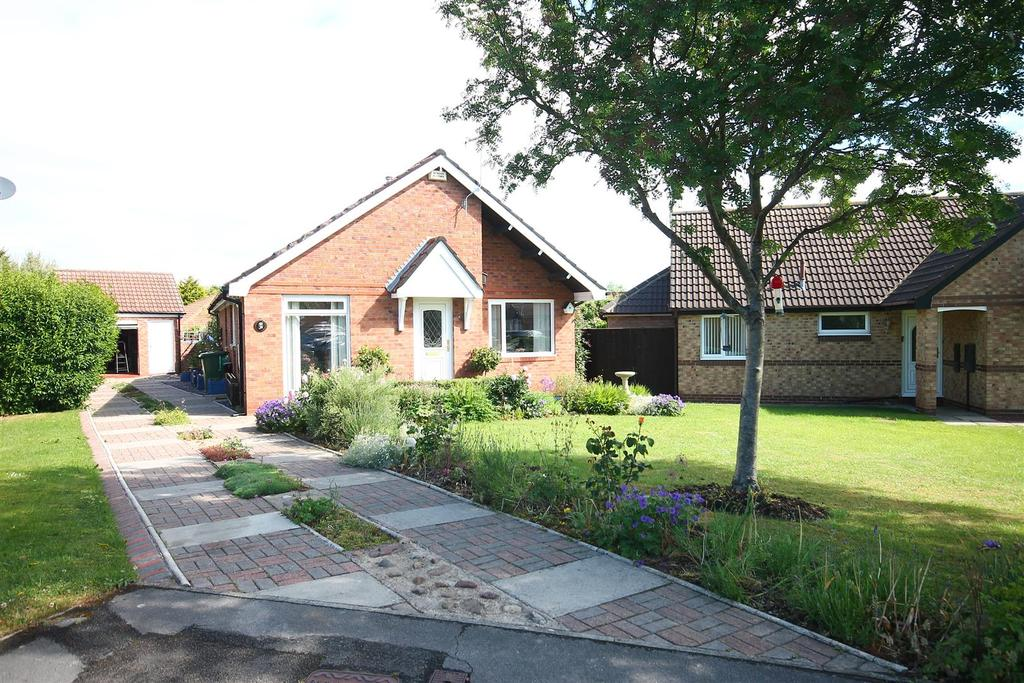 3 Bedrooms Detached Bungalow for sale in Thatch Lane, Ingleby Barwick, Stockton-On-Tees