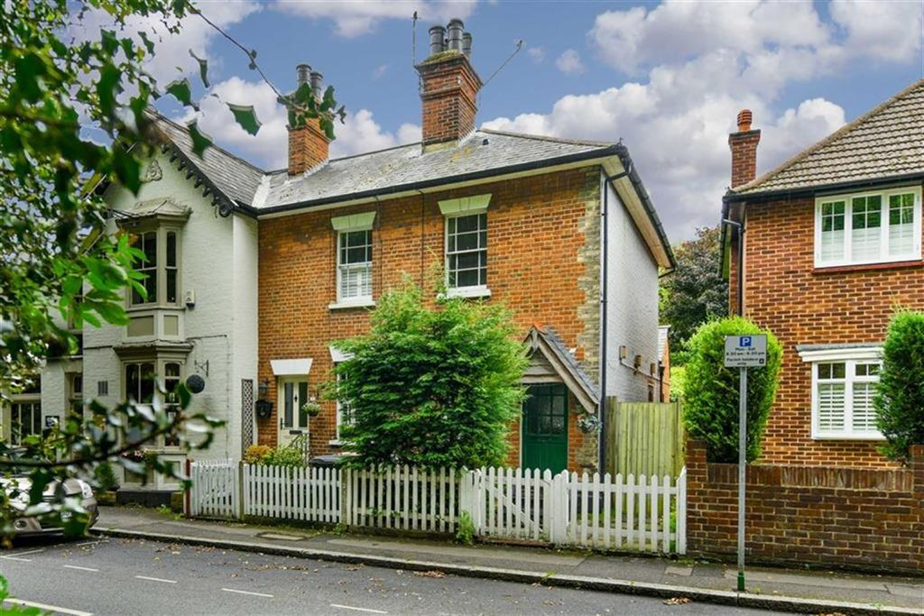 2 Bedrooms Terraced House for sale in Kingston Road, Ewell Village, Surrey