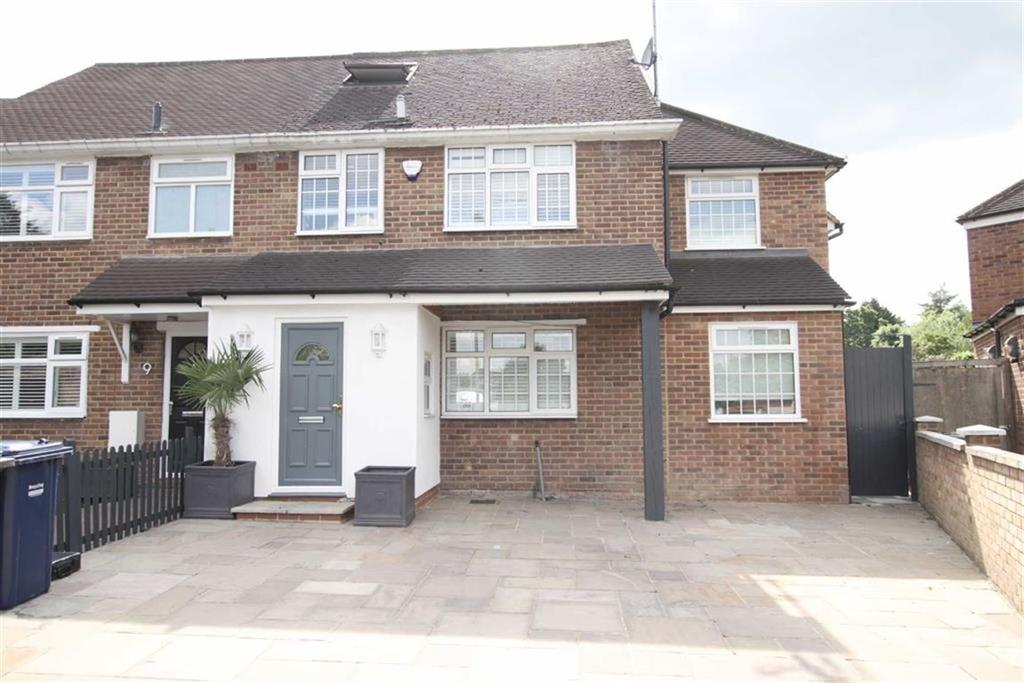 4 Bedrooms Semi Detached House for sale in Holland Close, New Barnet, Herts, EN5