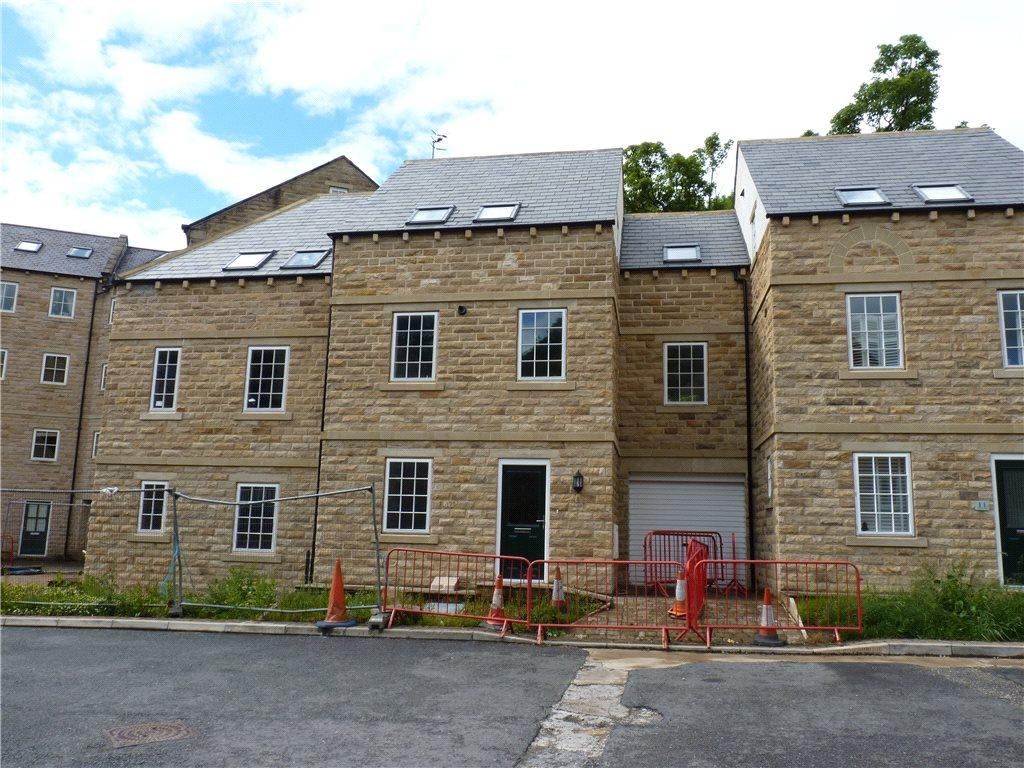 4 Bedrooms Town House for sale in Woodcote Fold, Oakworth, Keighley, West Yorkshire
