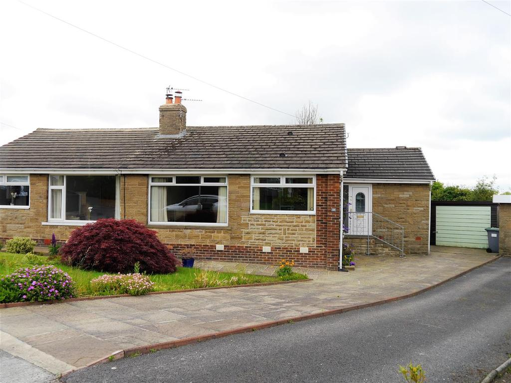 2 Bedrooms Semi Detached Bungalow for sale in Greenville Drive, Low Moor, Bradford, BD12 0PT