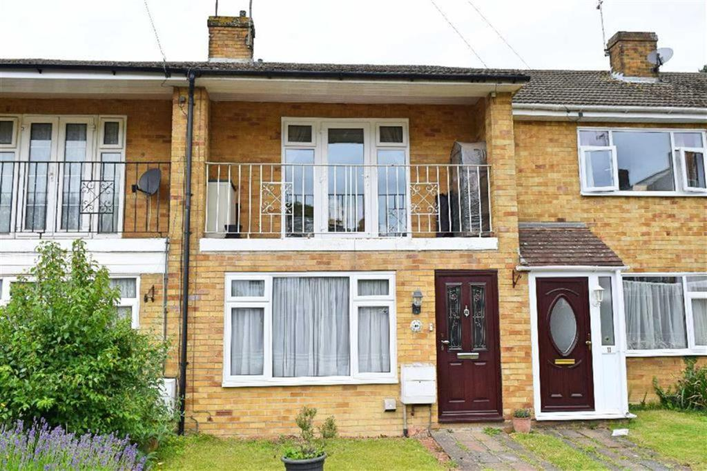 3 Bedrooms Terraced House for sale in Anthony Close, Dunton Green, TN13
