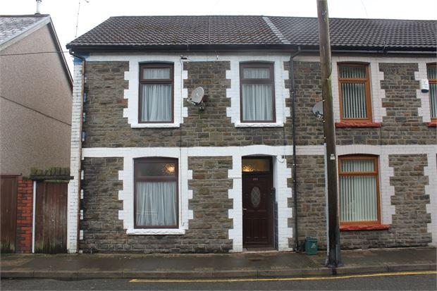 3 Bedrooms End Of Terrace House for sale in Ynyscynon Road, Trealaw, Tonypandy, Rhondda cynnon taff. CF40 2LQ