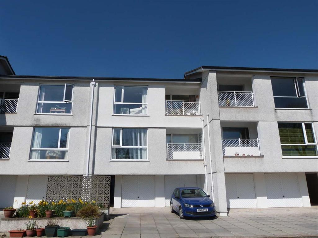 2 Bedrooms Flat for sale in Moresk, Truro