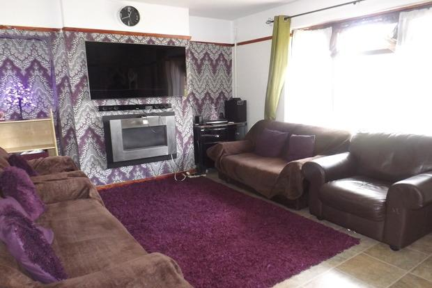 3 Bedrooms Terraced House for sale in Western Boulevard, Nottingham, NG8