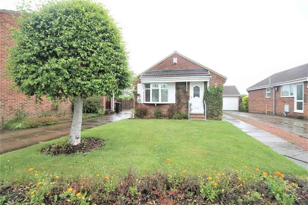 2 Bedrooms Detached Bungalow for sale in Fox Howe, Coulby Newham, Middlesbrough