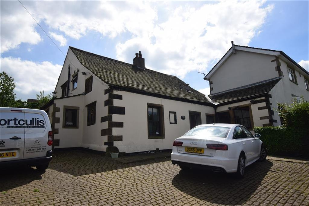 4 Bedrooms Link Detached House for sale in Towngate, Highburton, Huddersfield, HD8
