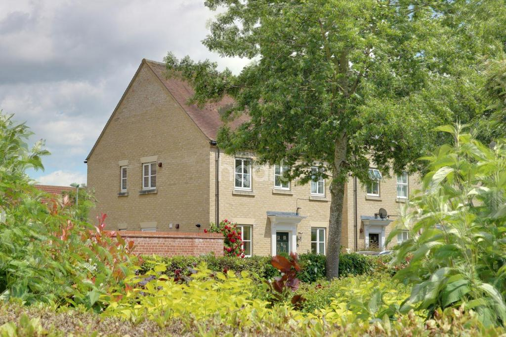 3 Bedrooms Semi Detached House for sale in Bury St Edmunds