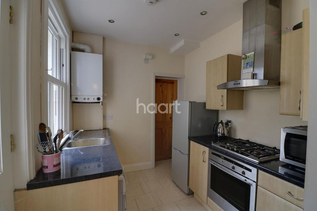 2 Bedrooms Terraced House for sale in Bowthorpe Road, NR2