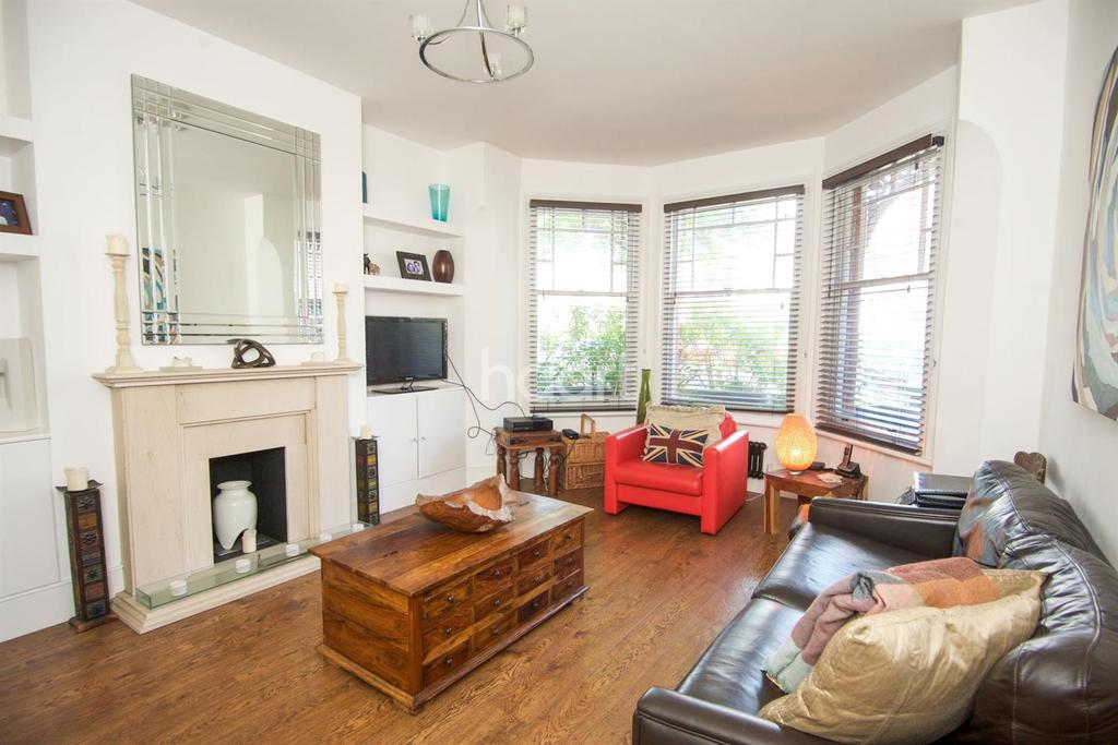 3 Bedrooms Terraced House for sale in Normanby Road NW10