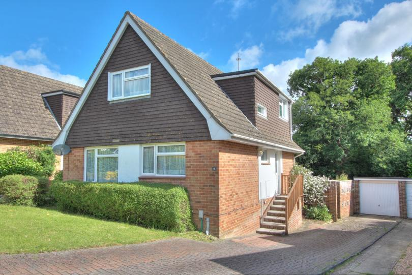 3 Bedrooms Detached House for sale in Treloyhan Close, Chandlers Ford