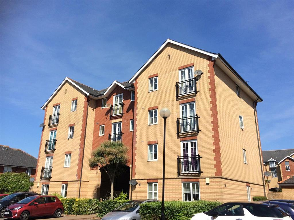 2 Bedrooms Apartment Flat for sale in Campbell Drive, Cardiff