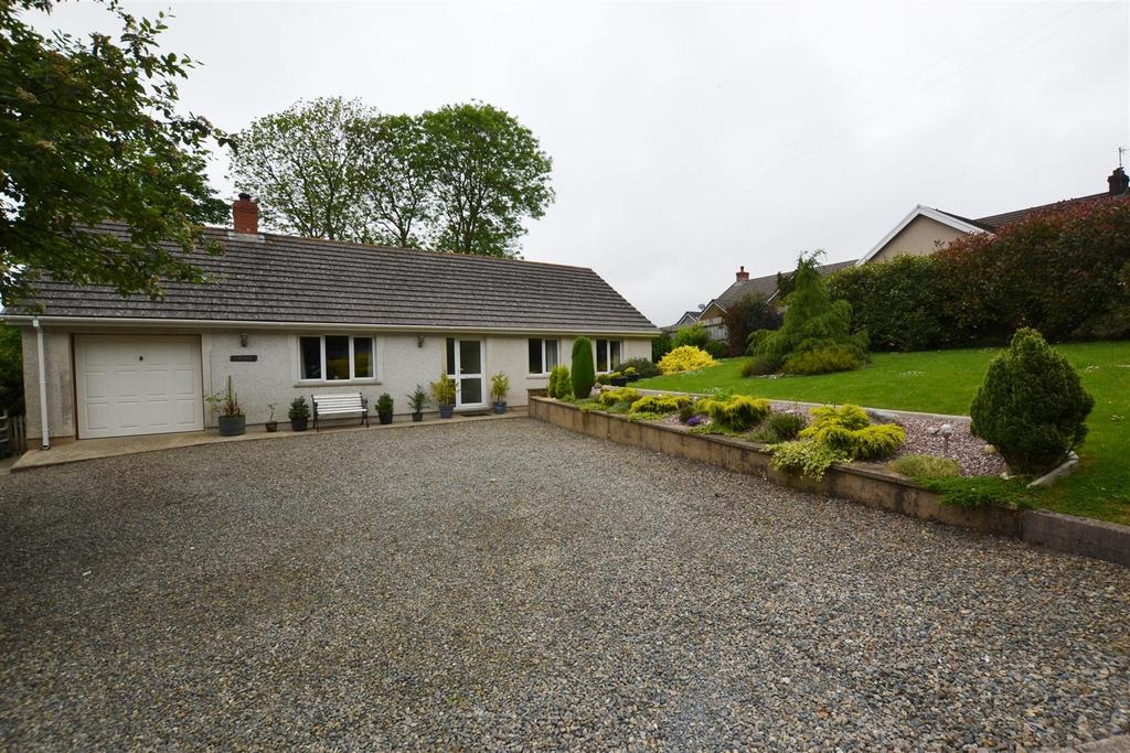3 Bedrooms Detached Bungalow for sale in Camrose