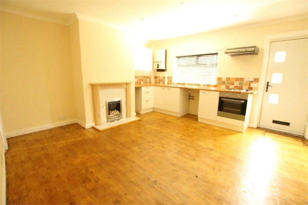 1 Bedroom Terraced House for sale in Roman Road, Birstall, BATLEY, West Yorkshire