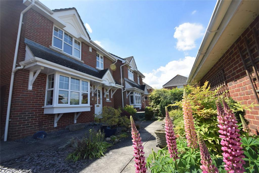 4 Bedrooms Detached House for sale in Copse Close, Rochester, Kent