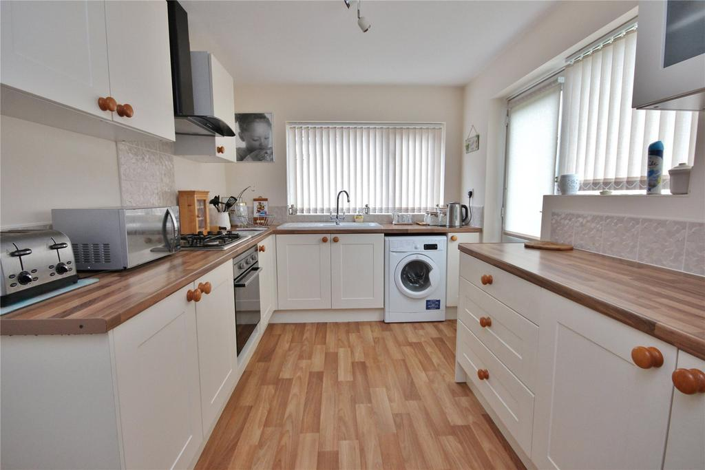 2 Bedrooms Detached Bungalow for sale in Foxhill, Wybers Wood, DN37