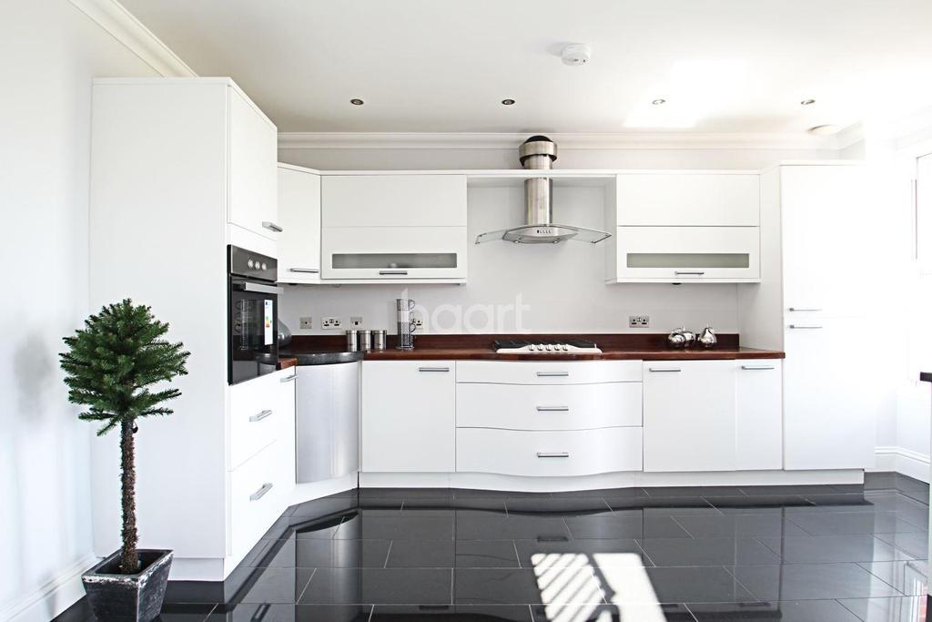 3 Bedrooms Flat for sale in Eastern Esplanade, Margate, CT9