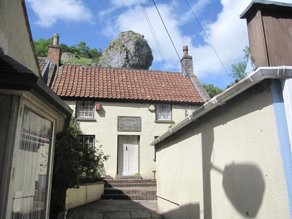 1 Bedroom Semi Detached House for sale in The Cliffs, Cheddar, Somerset, BS27