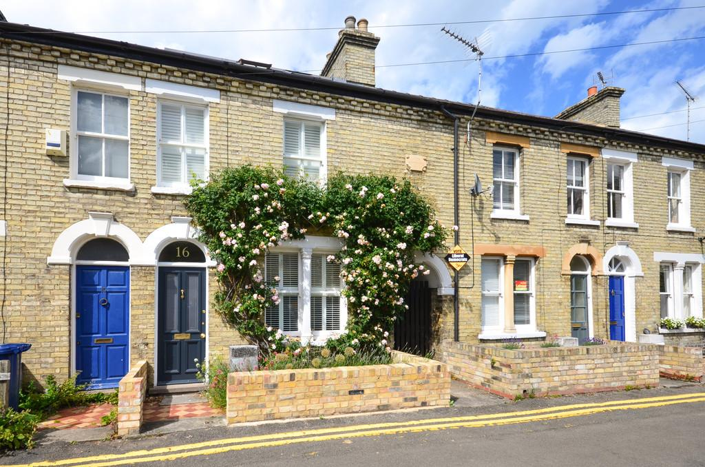 3 Bedrooms Terraced House for sale in Bermuda Road, Cambridge